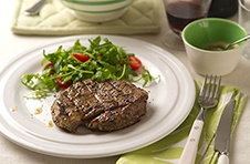 hgrilled steak with garlic yoghurt marinade MILK