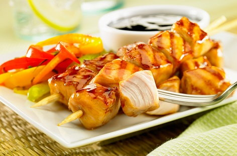 Caramelised chicken kebabs