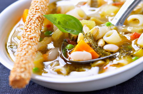Minestrone with tomato