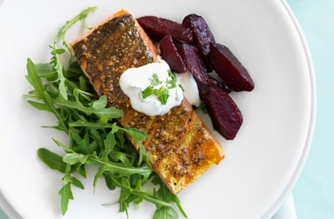 Spiced salmon with beetroot