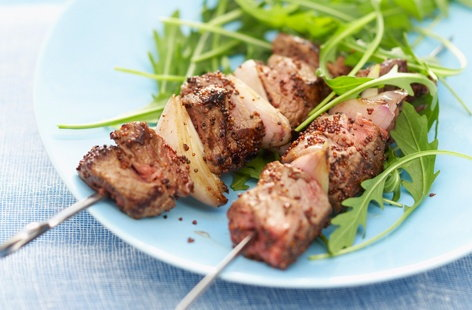 Beef brochettes coated with mustard
