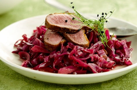 Roast beef with sauteed red cabbage