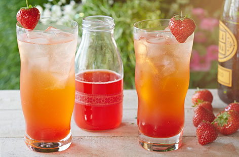 Strawberry and rose fizz