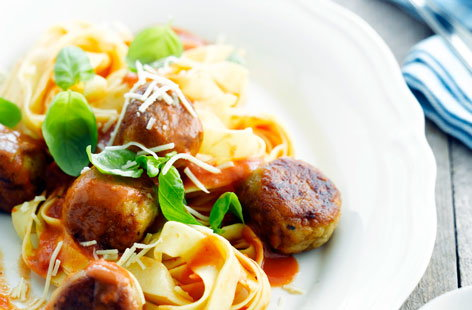 Tuna boulettes with tomato sauce