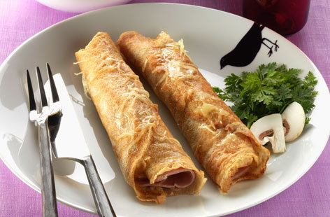 Rolled ham and cheese crêpes