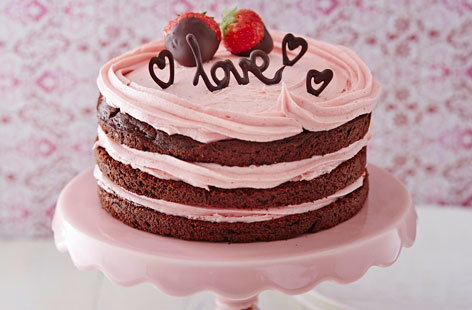 Naked chocolate Valentine cake