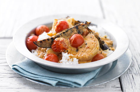 Aubergine and tomato red Thai curry