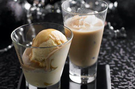 Baileys Hazelnut Flavour scoop HERO