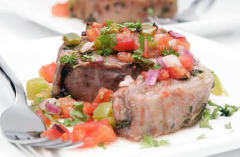 Baked lamb chops with tomatoes