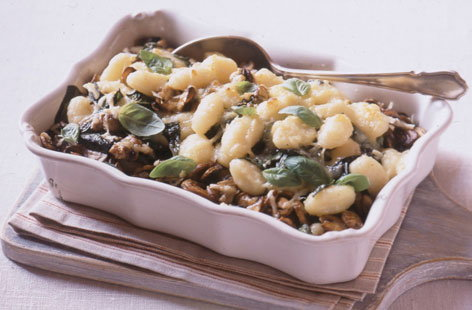 Baked gnocchi with mushrooms and spinach HERO