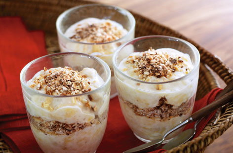 Banana, yoghurt and toasted oat pots HERO