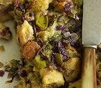 Bread stuffing with leeks, thyme and sage