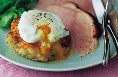 Bubble and squeak cakes with ham and poached eggs