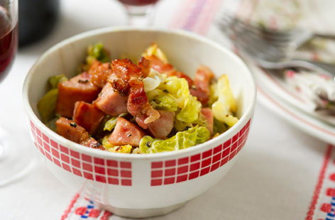 Cabbage with bacon and sausage (h)