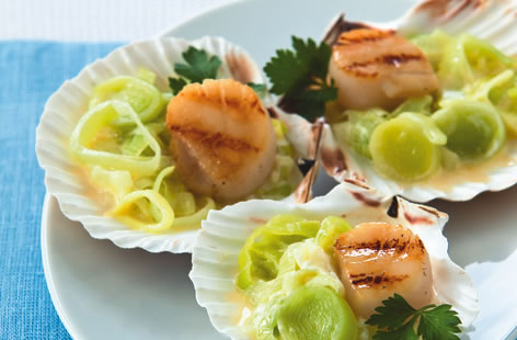 Chargrilled scallops with creamed leeks