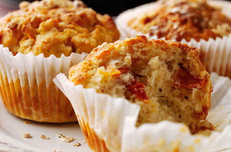 Cheese, tomato and oat muffins