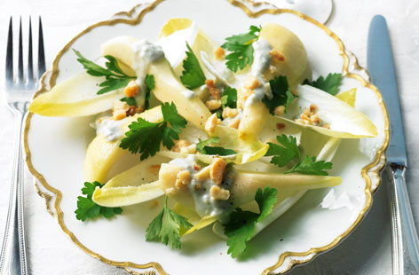 Chicory, pear and macadamia salad THUMB
