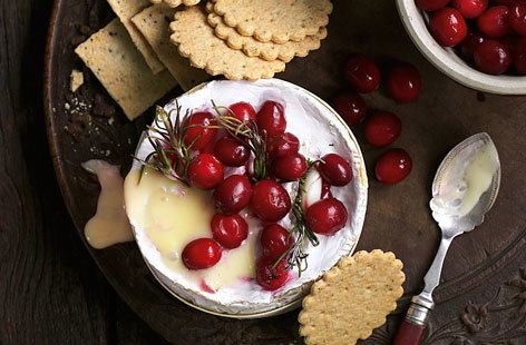 Cranberries and camembert Large