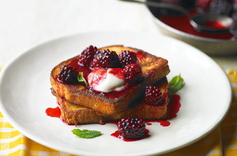 French toast with blackberry compote THUMB