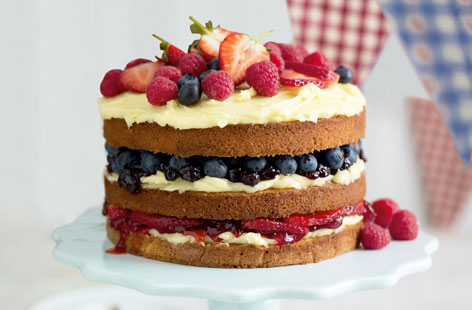 Fresh berry cake HERO