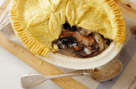 Gluten-free chicken and mushroom pie