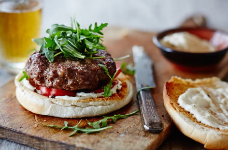 Beef burgers with horseradish sauce