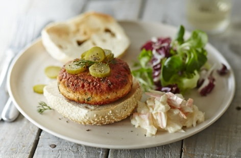 Sesame salmon and dill burgers | Tesco Real Food