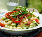 A delicious halloumi salad with a crunch