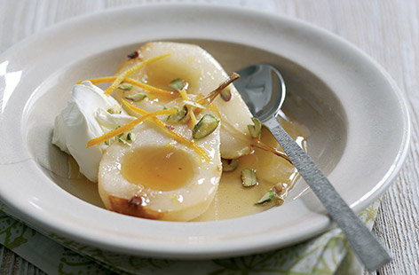 Honey roast pears with orange blossom and yoghurt (t)