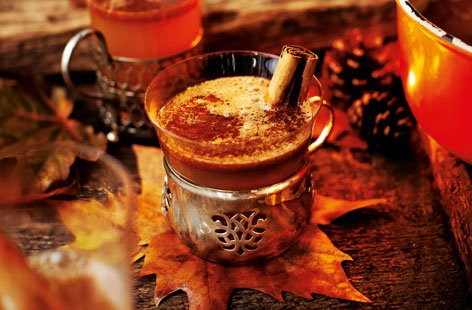 Hot buttered rum with apple, cider and cinnamon