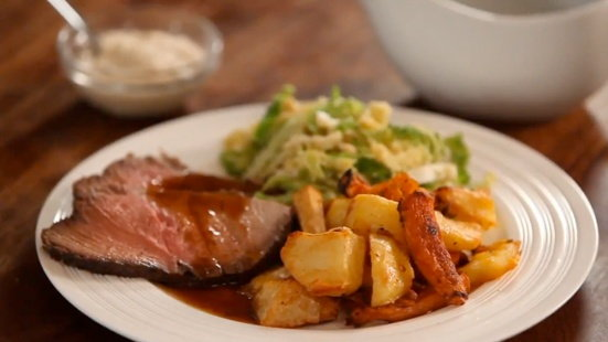 How to Make a Simple Roast Dinner   Tesco Real Food