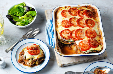 Organise a week's worth of tasty breakfast, lunch and dinner recipes with our handy planner