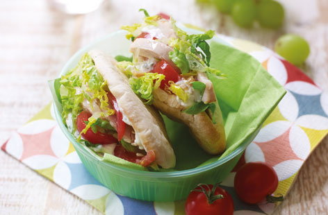 Roast chicken and tomato pitta pockets