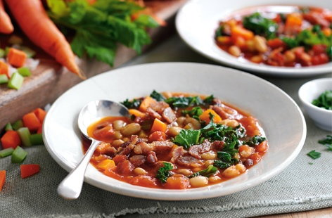 Mixed bean soup with bacon
