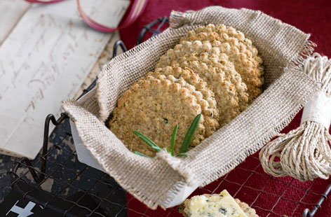 Rosemary and sea salt oatcakes