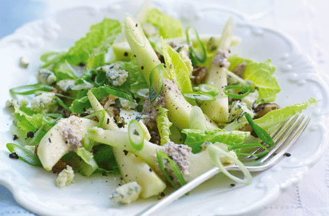 Pear and stilton salad