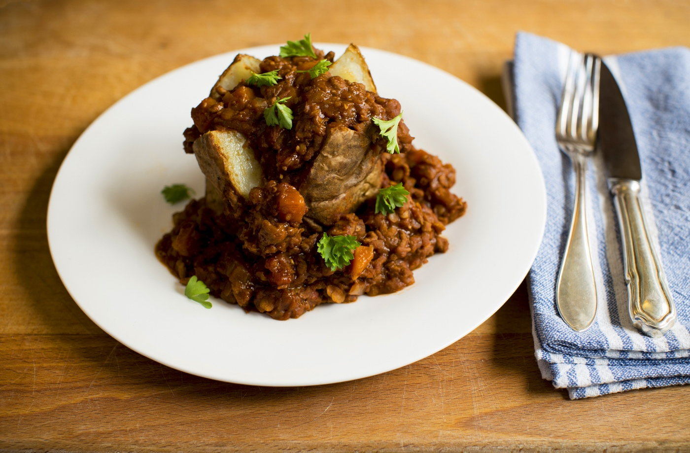 Beef and lentil chilli hotpot tesco real food for Hamburger dinner ideas for tonight
