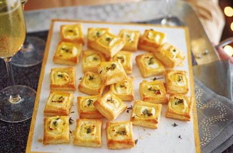 Goat's cheese, honey and thyme bites