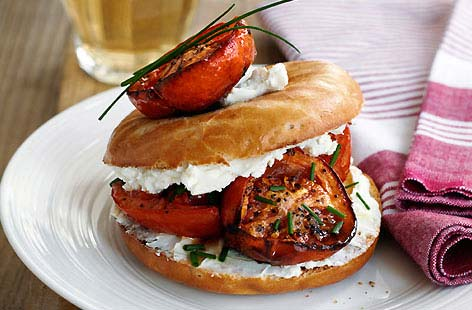 Roasted tomato bagel
