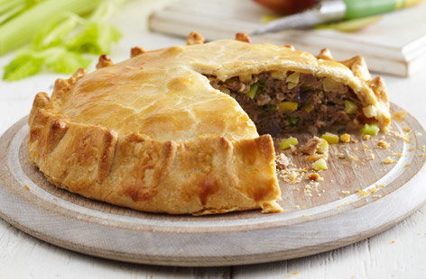 Pork, apple and celery pie