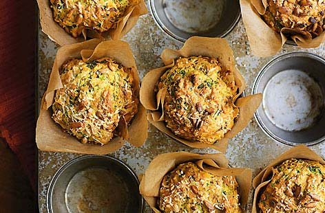 Spicy spinach and carrot muffins
