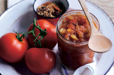 Spicy tomato and celery relish THUMB