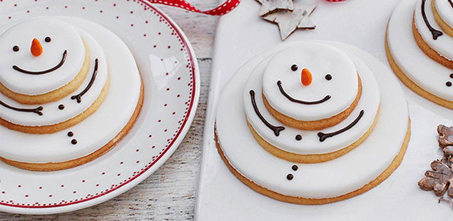 Stacking snowmen biscuits
