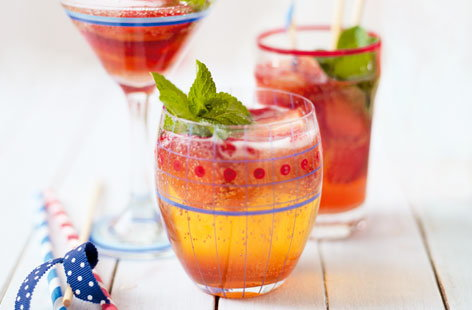 Strawberry Fizz Recipe — Dishmaps