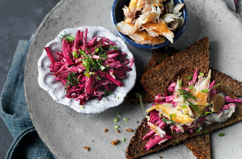 Tartine with creamy beetroot and smoked mackerel topping
