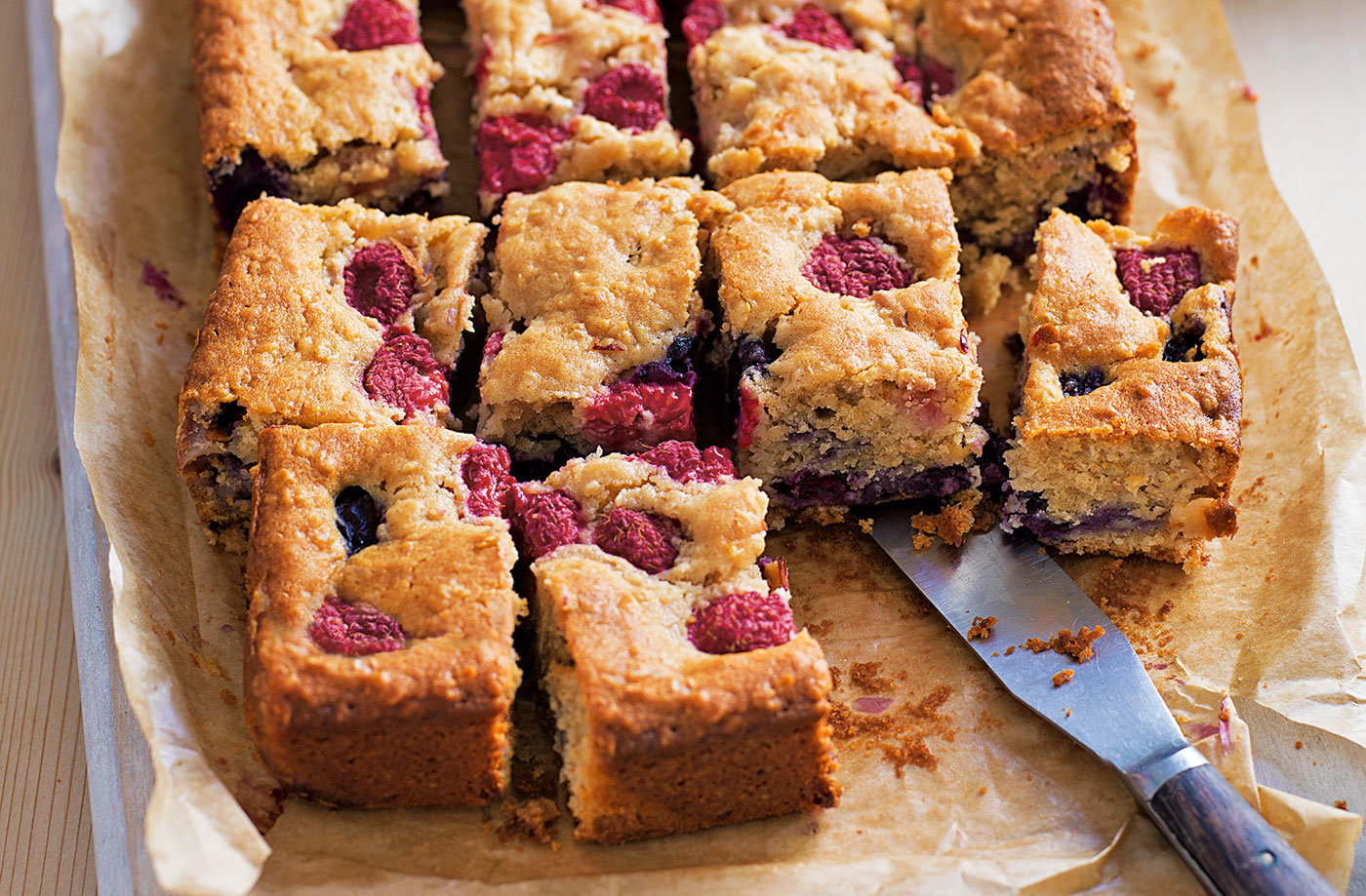 Traybake Cake Recipes Uk