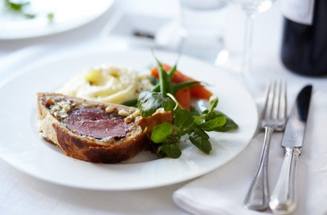 Beef wellington with stilton