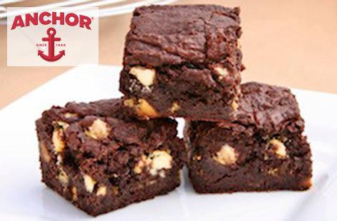 White and dark chocolate brownies | Tesco Real Food