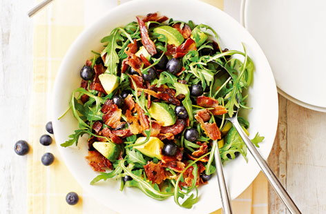 Avocado, bacon and blueberry salad