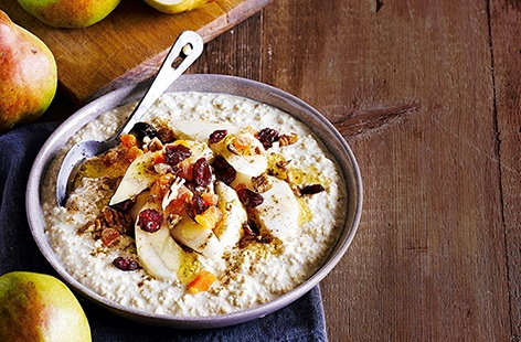 Bircher muesli with pears, maple syrup and cinnamon